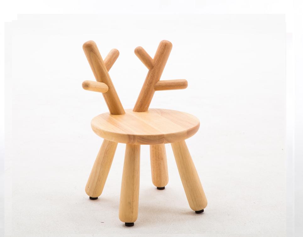 Dětská dřevěná židlička jelen