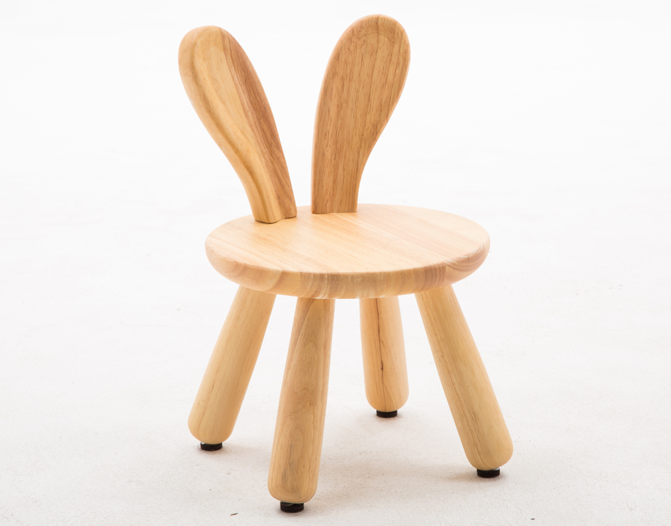 Dřevěná židlička králíček
