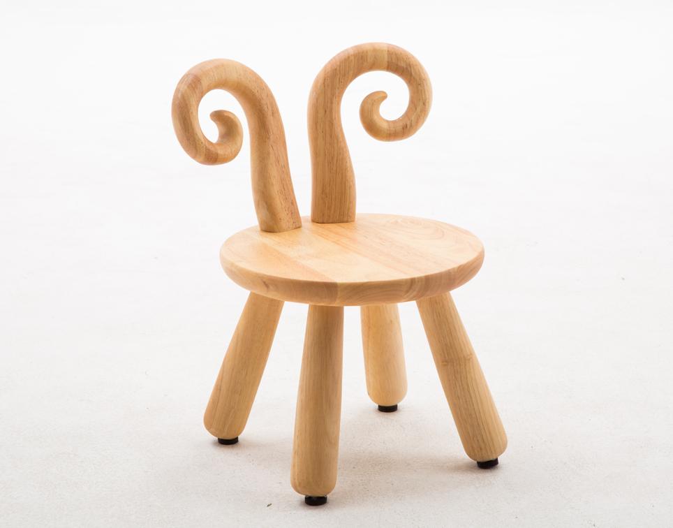 Dřevěná židlička - beránek